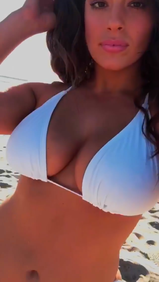 Ashley Graham Bikini Closeup Sun Cleavage
