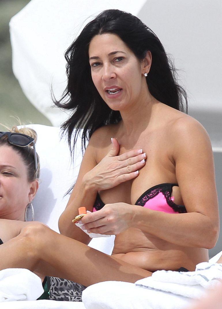 Pop Minute - Carla Facciolo Bikini Tan Miami Photos - Photo 7