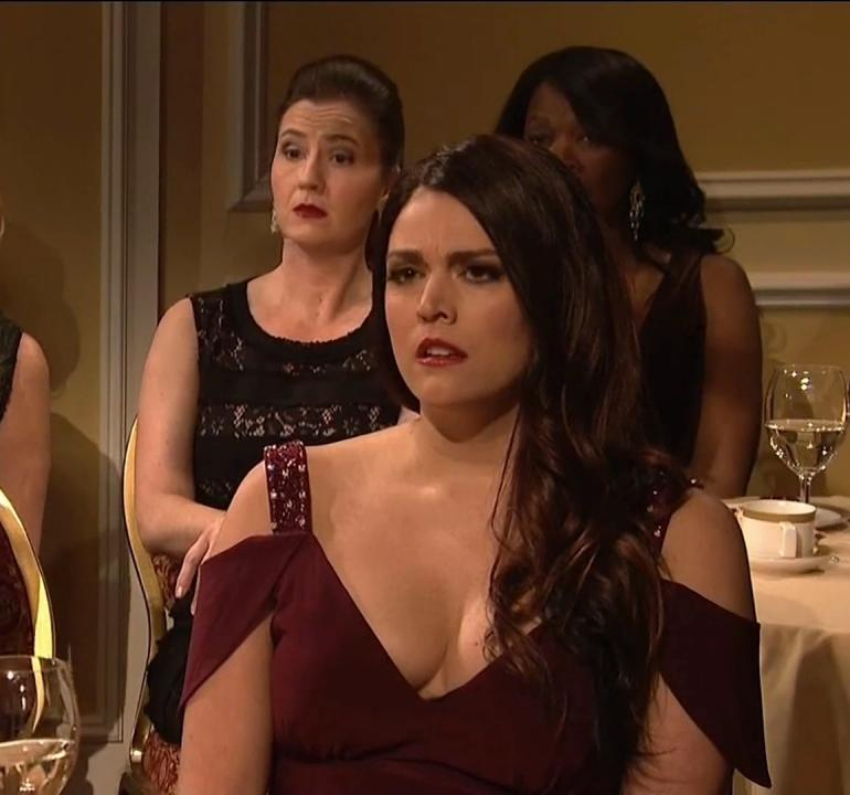 Cecily Strong Auction Skit SNL Cleavage