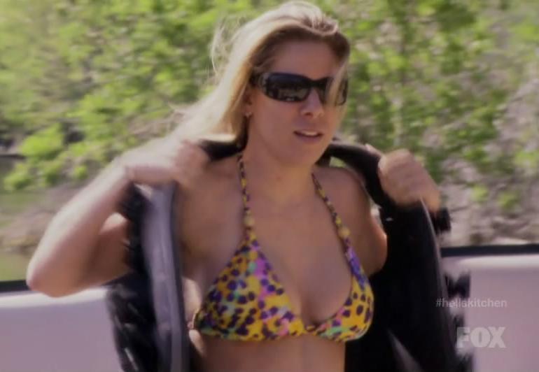 Pop Minute Dana Cohen Bikini Hells Kitchen Photos Photo 1