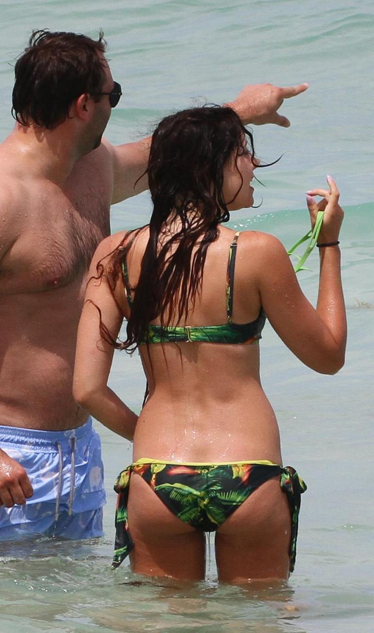 Pop Minute - Eliza Doolittle Bikini Beach Fl Photos - Photo 9