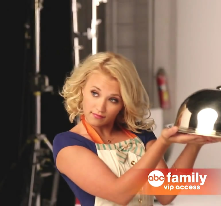 emily osment young and hungry emily osment young and  : emilyosmentyoungandhungry3 from hairstylegalleries.com size 770 x 720 jpeg 68kB