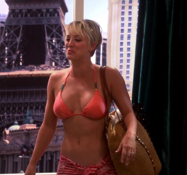 Pop Minute - Kaley Cuoco Big Bang Theory Bikini Vegas