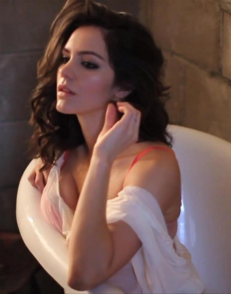 Pop Minute - Katharine Mcphee Lingerie Gq Photos - Photo 13