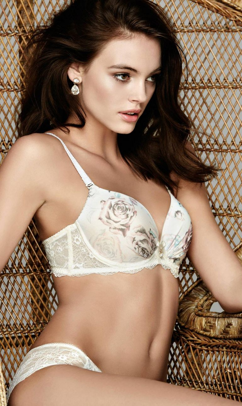 Kristina Peric Lingerie Travel Body