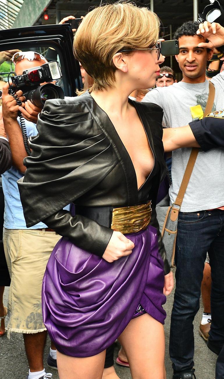 Pop Minute - Lady Gaga Legs Applause Promo New York Photos ... Lady Gaga Applause Promo