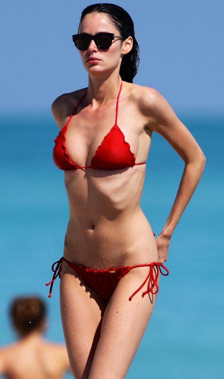 Pop Minute - Nicole Trunfio Bikini Dip Red Photos - Photo 6