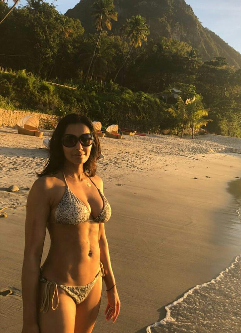 Padma Lakshmi Bikini Beach Mountain Cleavage