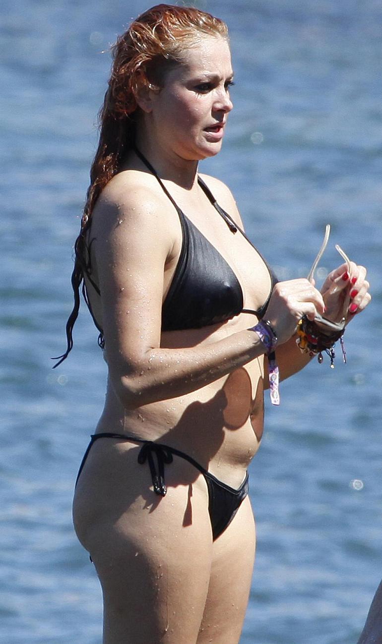 Pop Minute - Paulina Rubio Bikini Ibiza Photos - Photo 3 Natalie Portman Instagram