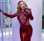 Mariah Carey Cleavage Christmas Special 6