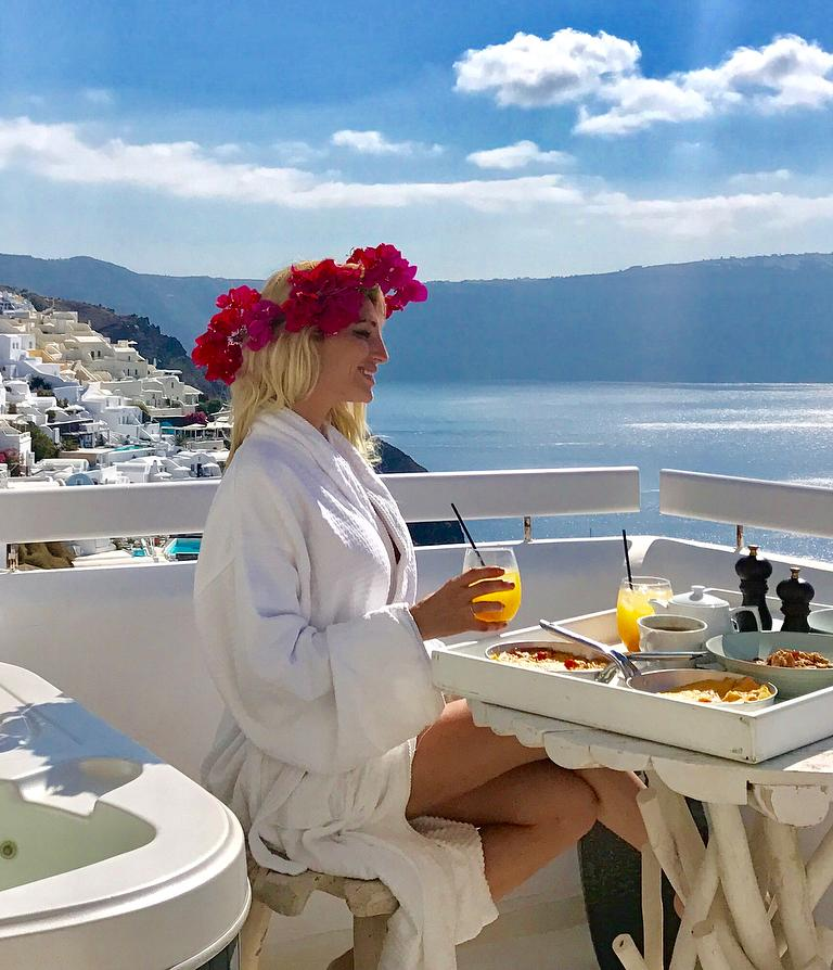 Victoria Xipolitakis Bikini Shells Greece Cleavage