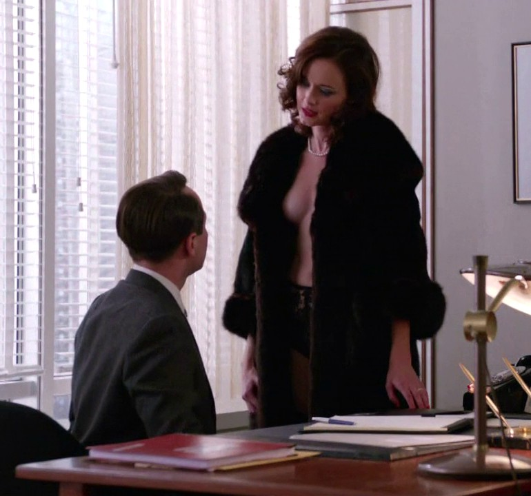 Alexis bledel mad men s5e09 7