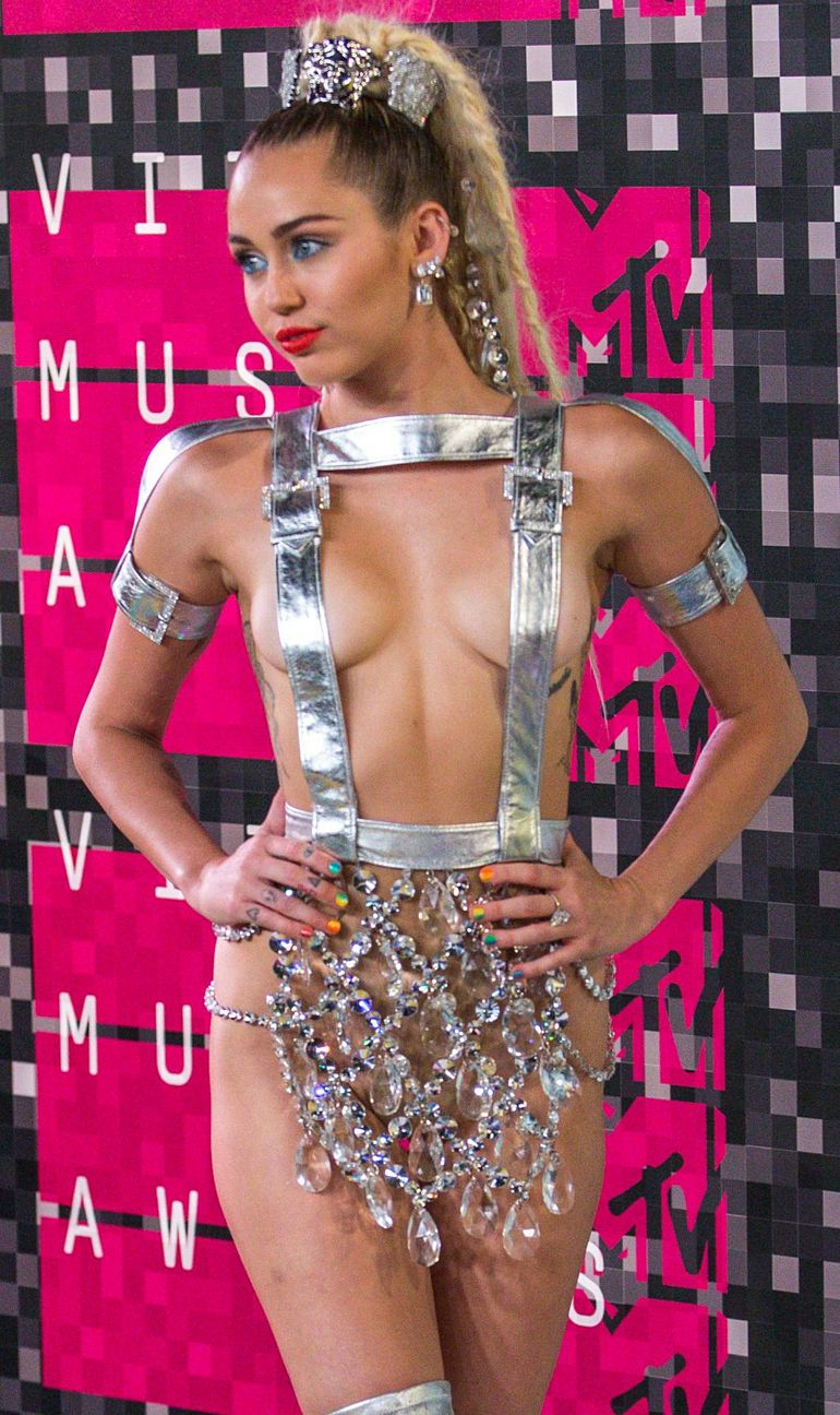 Miley Cyrus MTV Video Music Awards 2015 Topless Cleavage