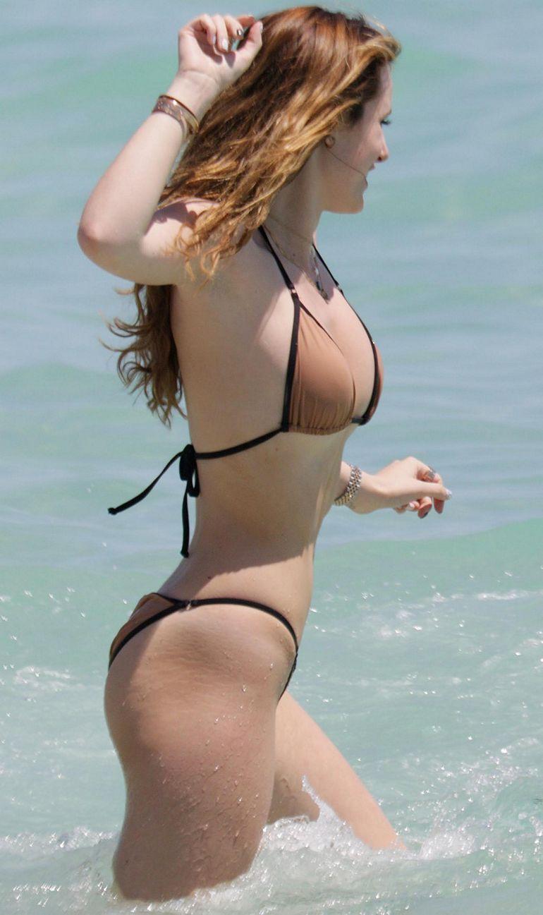 Thorne bikini ass bella
