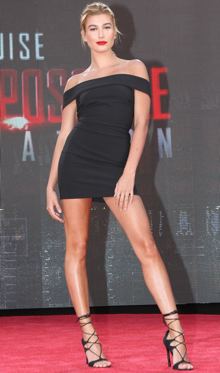 Pop Minute - Hailey Baldwin Legs Mission Impossible ...