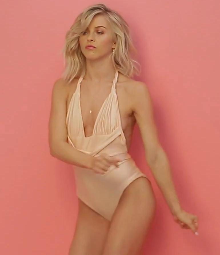 Pop Minute - Julianne Hough Swimsuit Cosmo 2k16 Photos ... Ryan Reynolds Instagram